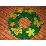 Jarní věneček -zelený s motýly