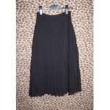 Elegantní černá plisovaná sukně vel.34