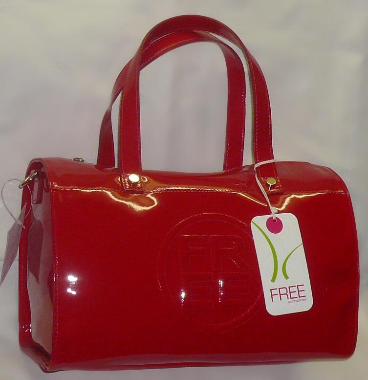 Kabelka FREE - běžná cena v obchodech od 1290Kč - lesklá červená hladká b75bdad400