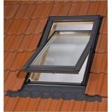 Dřevěné střešní okno BALIO s LEMOVÁNÍM 78x112 cm