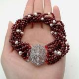 Perlový náramek jezerní bílé perly a granát BB107