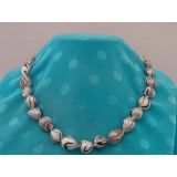 Perlový náhrdelník jezerní bílé atlasové perly 13mm NB175
