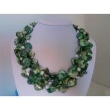 Perlový náhrdleník bílé jezerní perly a zelená perleť NB053
