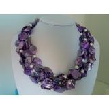 Perlový náhrdleník bílé jezerní perly a levandulová perleť NB055