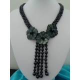 Perlový náhrdelní černé jezerní perly a perleť YY019