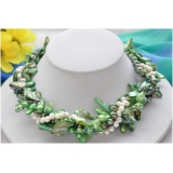 Perlový náhrdelník bílé a zelené jezerní perly a perleť NB281
