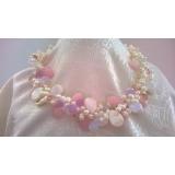 Perlový náhrdelník jezerní bílé perly, křišťál a perleť NB306