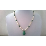 Perlový náhrdelník bílé jezerní perly a smaragdy DL041