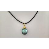 Náhrdelník černý broušený spinel a mořská barokní tahiti perla 15mm ES090