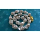 Perlový náhrdelník barokní jezerní bílé perly 32mm NJ9490